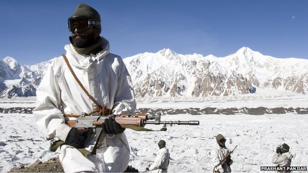 http://news.bbcimg.co.uk/media/images/74150000/jpg/_74150702_siachen_lores_04.jpg