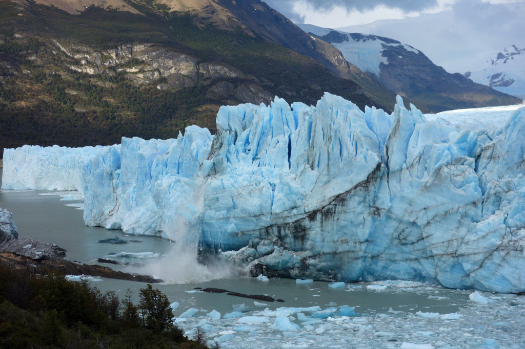 Argentina's Perito Moreno glacier calving (Sean Munson/Flickr)