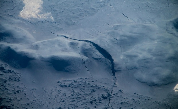 Glacier crevasses (Tobias Duerig/University of Iceland)