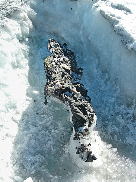 The remains of two Austrian soldiers found on the Presena Glacier in 2012. (Office for Archaeological Finds, Autonomous Province of Trento)