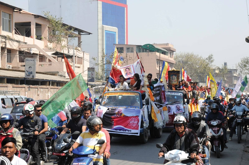 A funeral procession in Kathmandu for one of the Sherpas killed in an April avalanche on Mount Everest. (photo: Nepal Mountaineering Association)