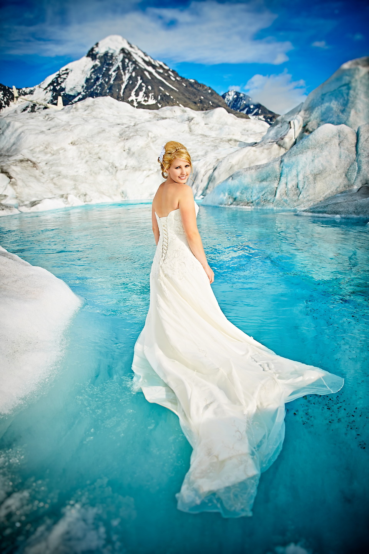 Photo friday married on an alaskan glacier glacierhub for Pool photoshoot ideas