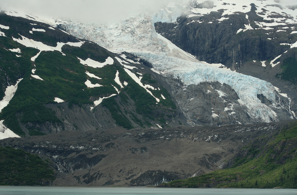 Darkened ice is found near the edge of Byron Glacier. (Photo: Frank Kovalchek/Flickr)