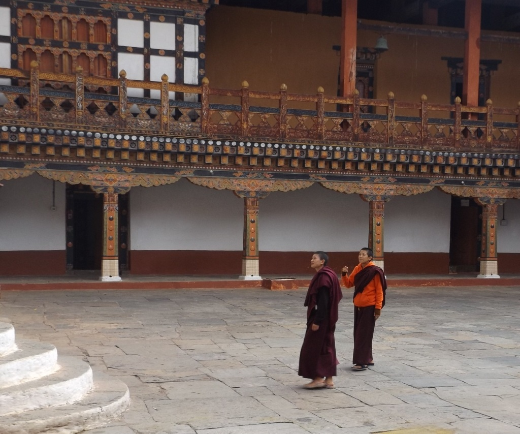 Two nuns from Lobesa in courtyard of the Punakha dzong. (photo: Ben Orlove)