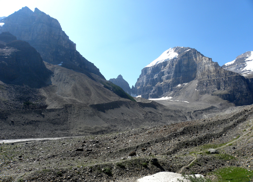 Glacial moraines, which permit the dating of glacier retreat, in Alberta, Canada (Source: Mark Wilson/Wikipedia)