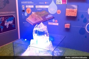 Model glacier at Mountains and Water Pavilion, COP20.