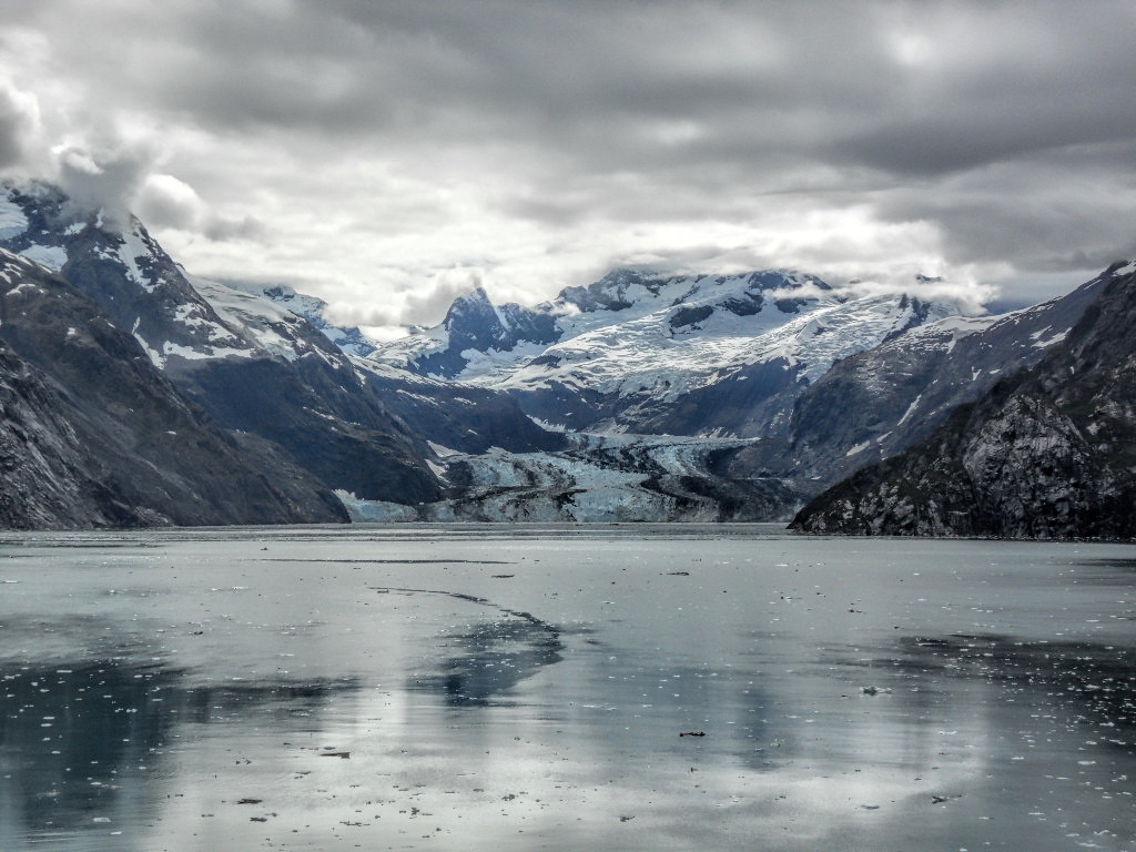 Glacier Bay in Southeast Alaska (Source:Kool Cats/flickr).