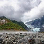 Roundup: NZ photos, vanishing ice art, murder mystery