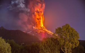 Eruption of Villarrica, 3 March 2015 (source: Kalvicio de las Nieves)
