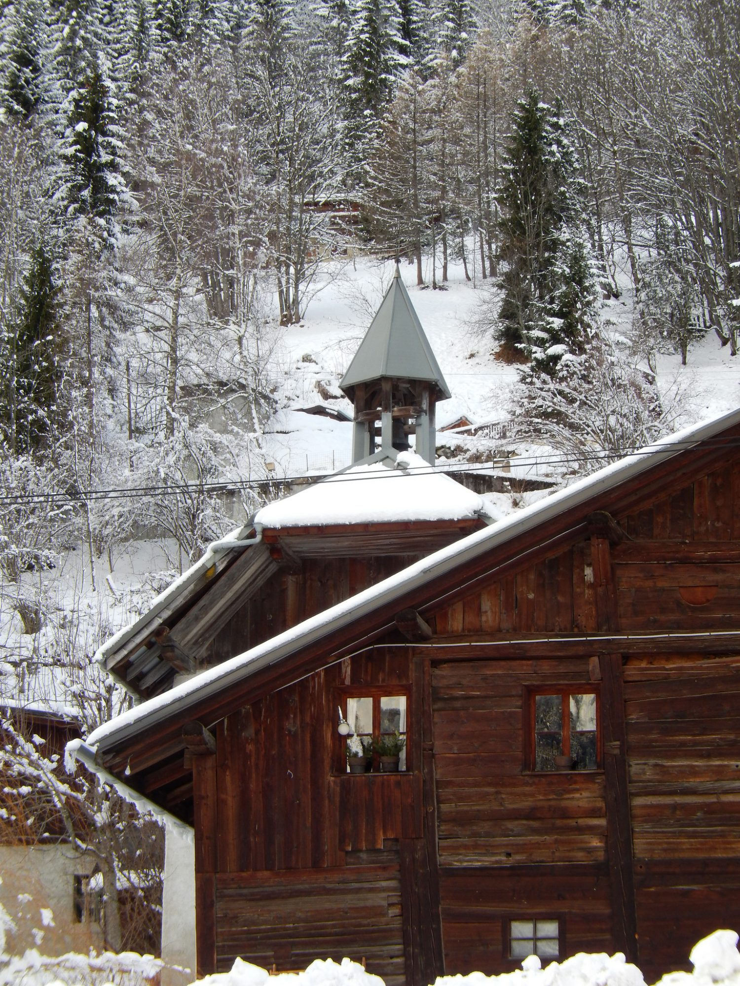 Image of a cabin in the Pyrenees