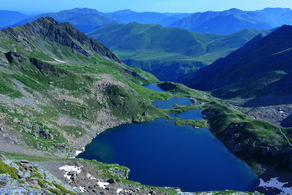 Image of green mountains and lake in Pyrenees