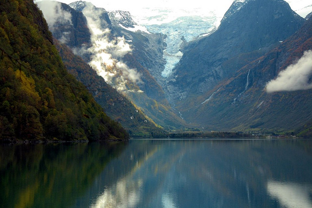 XD mag Jostedalsbreen glacier