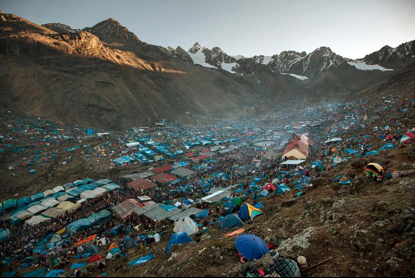 Base camp at Quyllur Rit'I.