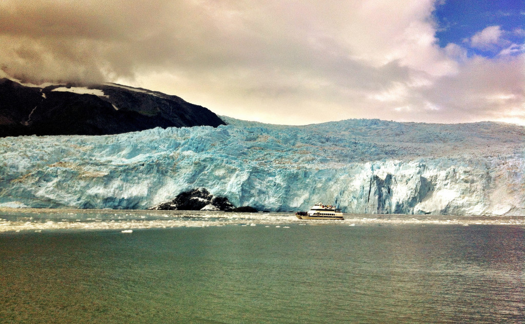 The glacier world in Alaska. Photo credit: Stephen Kennedy (via Flickr).