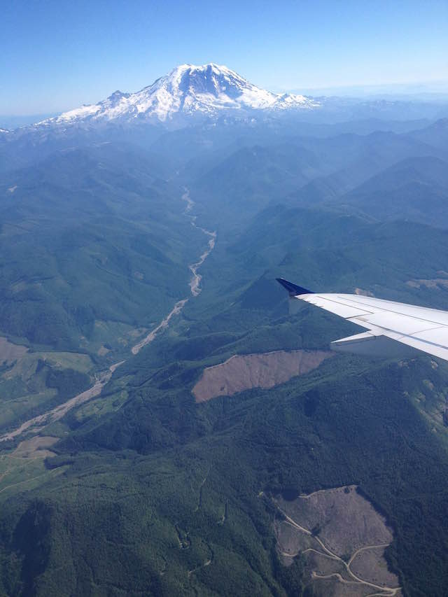 Glaciated peaks at airplane altitudes in Washington. Credit: Allyza Lustig