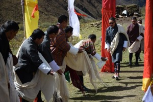 Guest of honor Chencho Norbu arriving at festival source: Karma Tenzin)