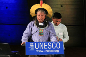 Cacique Raoni Metuktire speaking at UNESCO conference (source: UNESCO)