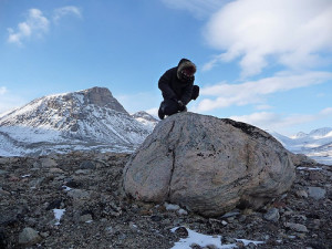 Sampling a moraine boulder for beryllium-10 surface exposure dating. Credit: Nicolás Young. From popular-archaeology