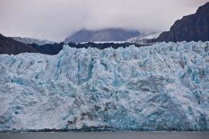 A tidewater glacier, Margerie Glacier, in Glacier Bay Alaska.(Courtesy of :LH Wong/Flikr)