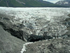 A view of Donoho Falls Lake bed and Root Glacier (source: J. Pataky)