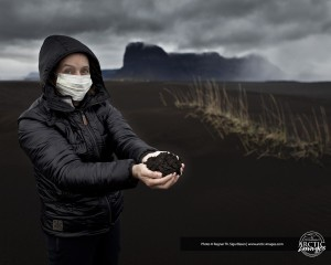Holding volcanic ash (source: Ragnar Th. Sigurðsson)