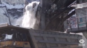 Loading ice recently removed from glacier onto dump truck at Kumtor (source: Kumtor)