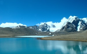 Gurdomangar Lake on the Tibetan Plateau. (Source: Pradeep Kumbhashi/Flickr)