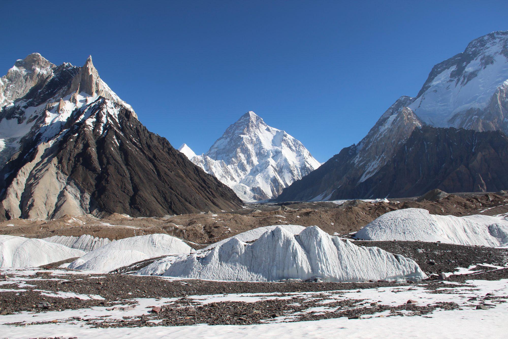 06. Il K2 (8611m) visto da Concordia, sul ghiacciaio del Baltoro