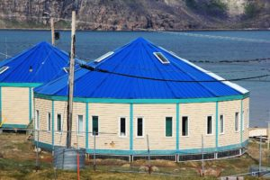 Uqqurmiut Centre for Arts and Crafts, Pangnirtung (source: Timothy K/Panoramio)