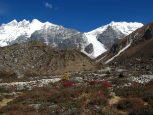 A view of the Nepalese Himalayas along the HKH. (Photo courtesy Flickr).