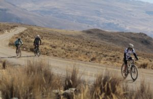 Athletes biking in the Cordillera Negra section of the Andes Challenge (source:AccesoPeru) https://67.media.tumblr.com/259acd28d0b65f6856b4b28193090f0c/tumblr_ocrnimX6gh1v1zkw0o1_1280.jpg