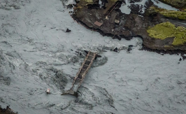 Outburst floods swept away a bridge and caused other damage in the river last year. (Photo Courtesy Egill/Iceland Mag).