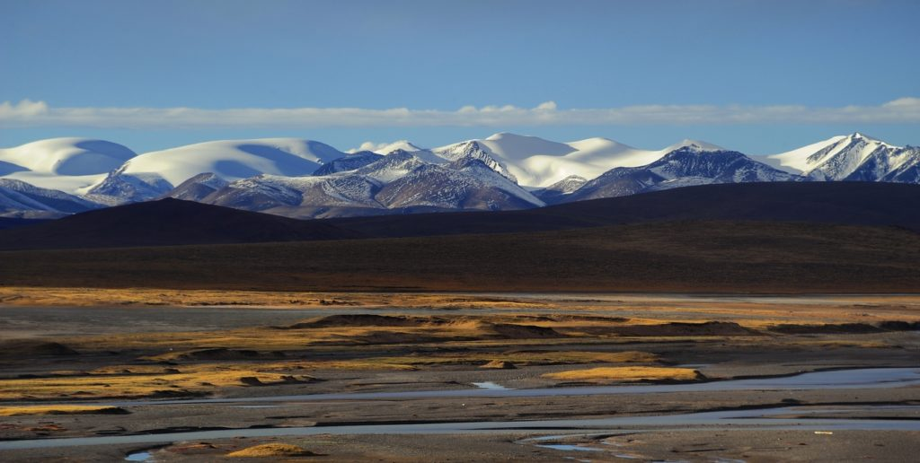 The landscape of Tibet (source: reurinkjan/Flickr).