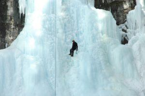 Ice climbing in the Canadian Rockies (source: Pazit Polak/Flicker)