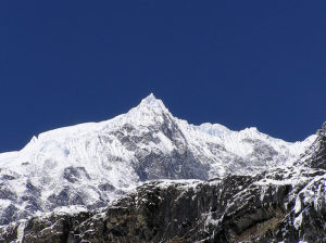 A mountain in the Himalaya range (Source: Adarsh Thakuri/Creative Commons).