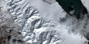 Within a short period of time, two adjacent glaciers in Tibet caused two giant ice avalanches(Source: Silvan Leinss / ETH Zurich).