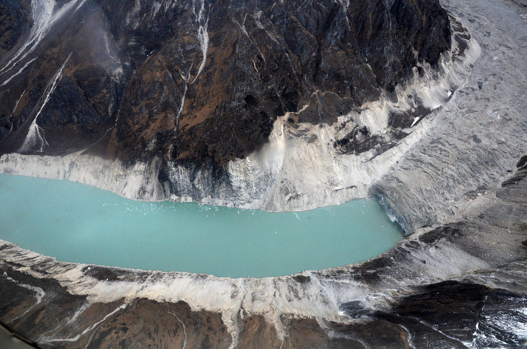 Glacial melt of Thulagi glacier in the Himalayas (Source: DFID/Creative Commons).