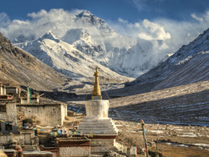 Rongbuk Monastery, Tibet- home to 30 Buddhist monks and nuns. (Source: Göran Höglund)