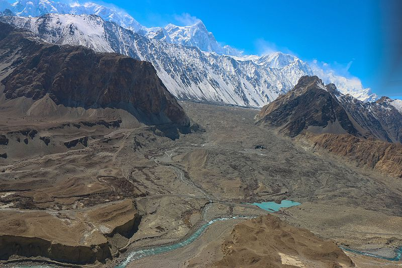 Batura Glacier, Gojal Valley, Pakistan (Source: Akbar Khan Niazi/Creative Commons).