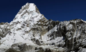 View of Ama Dablam taken from base camp (Source: François Bianco/Creative Commons).