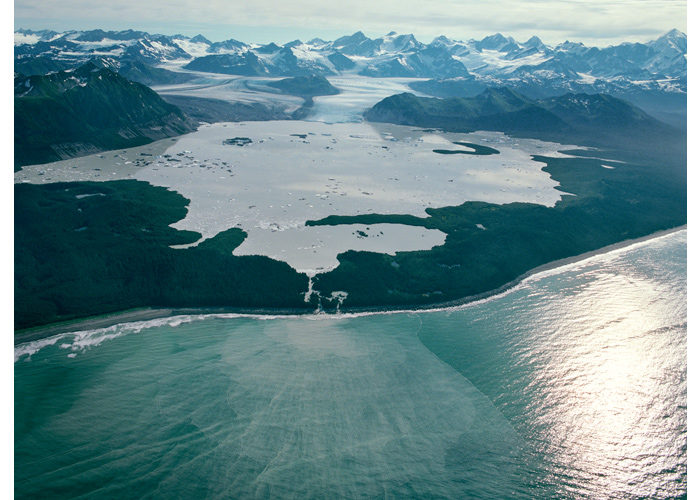 Glacier sediments are clearly visible entering the Pacific Ocean. Grand Plateau, Alaska 2011 (source: Klaus Thymann/Project Pressure)