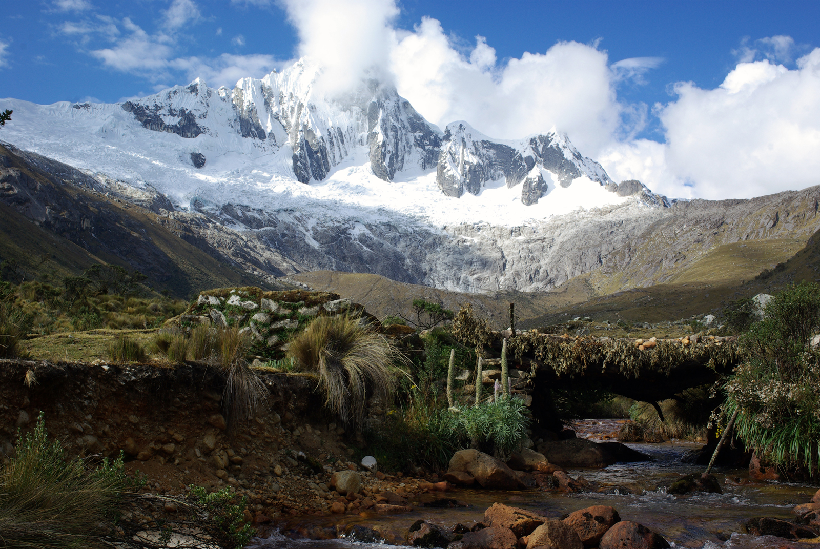 View of mountainside of Cordillera Blanca, Peru (Source: MacDawg/Creative Commons).