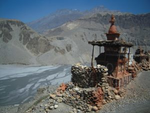 Stupa and mani wall in Mustang (Source: Shravasti Dhammika).