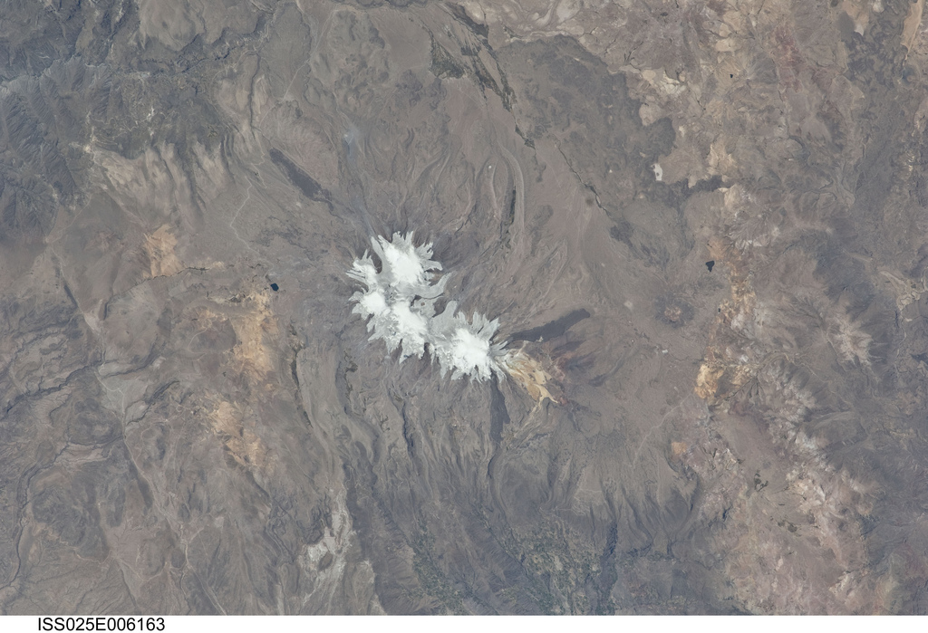 Nevado Coropuna, Peru from the NASA International Space Station, 10/06/10 (Source: NASA/Flickr).