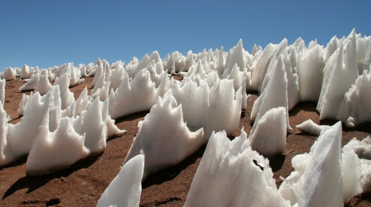 Snow penitentes on Earth (Source: Alex Schwab/Flickr).