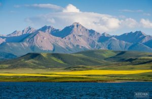 Mount Qilian in Summer (source: Kid Chen / Flickr).