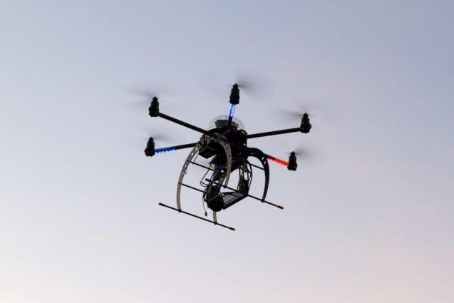Dieser Hexacopter wird von Herrn Oberbichler gesteuert... www.luftbilder.co.at