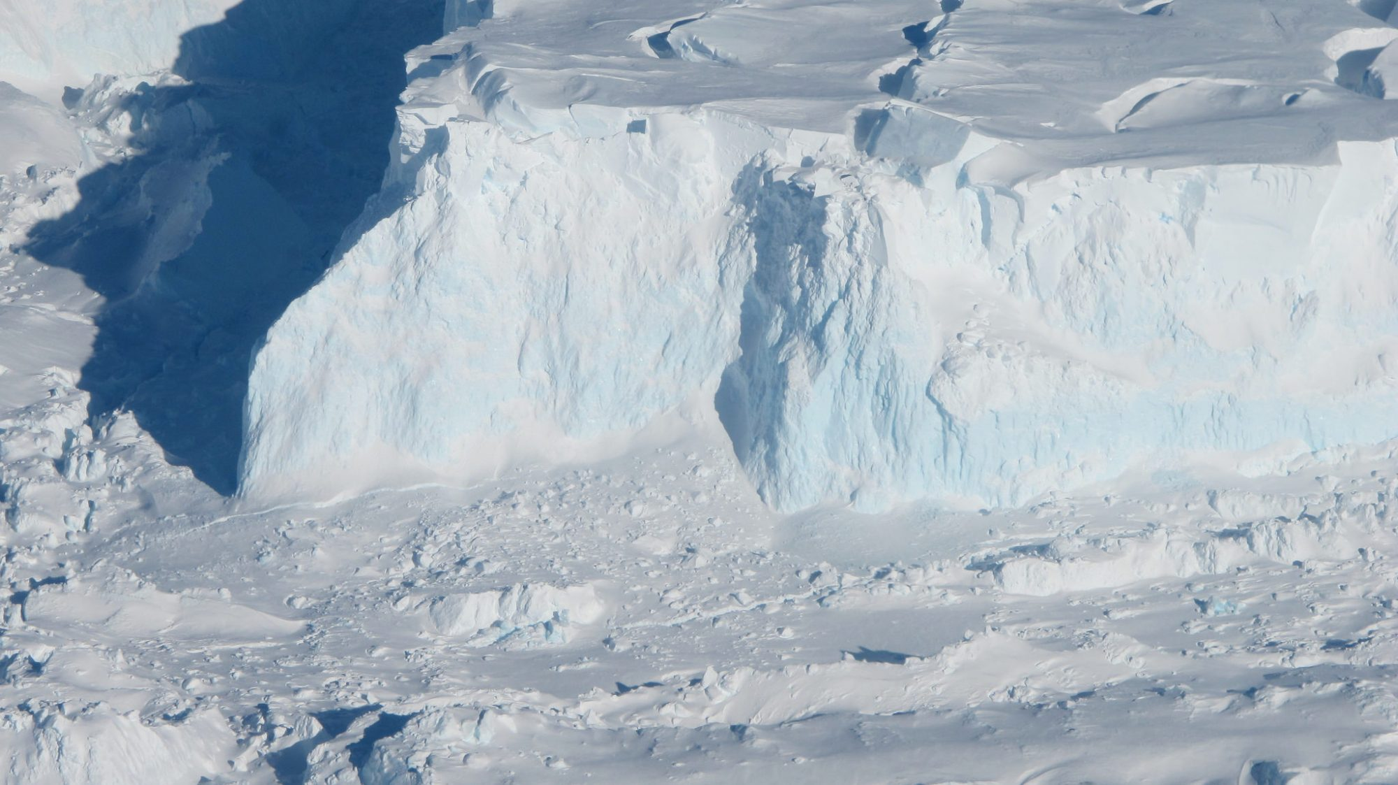 Photo of Thwaites glacier.