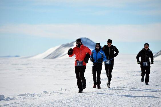 Participants in the Antarctica Ice Marathon (Source: Ice Marathon/ Pinterest)