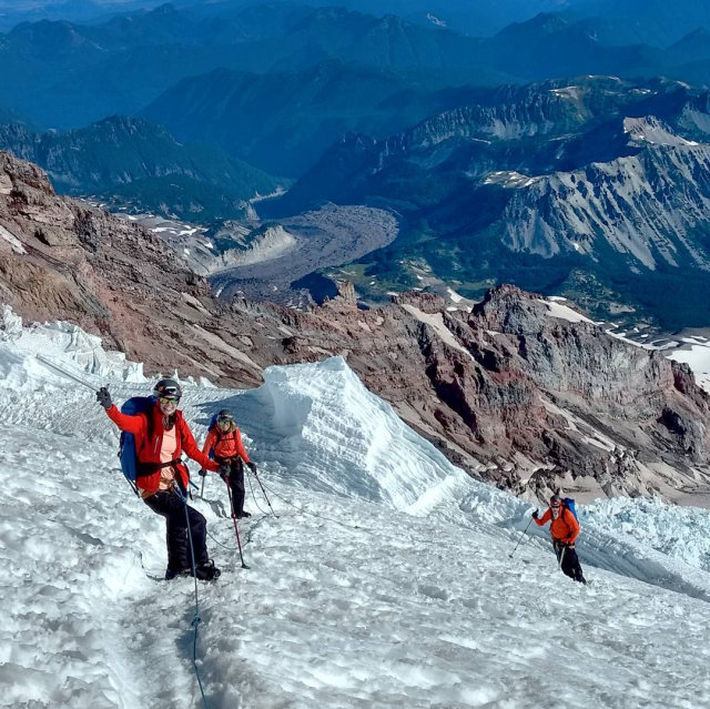 Hiking the Emmons Glacier at Mount Rainer (Source: Timberline Mountain Guides/ Instagram)